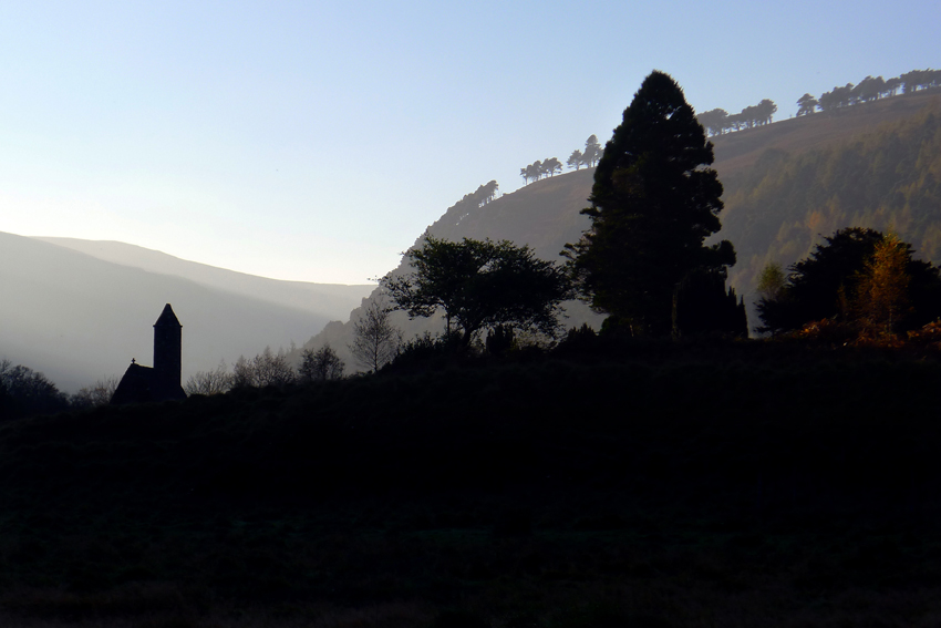 Glendalough round tower ©anniewrightphotography.com