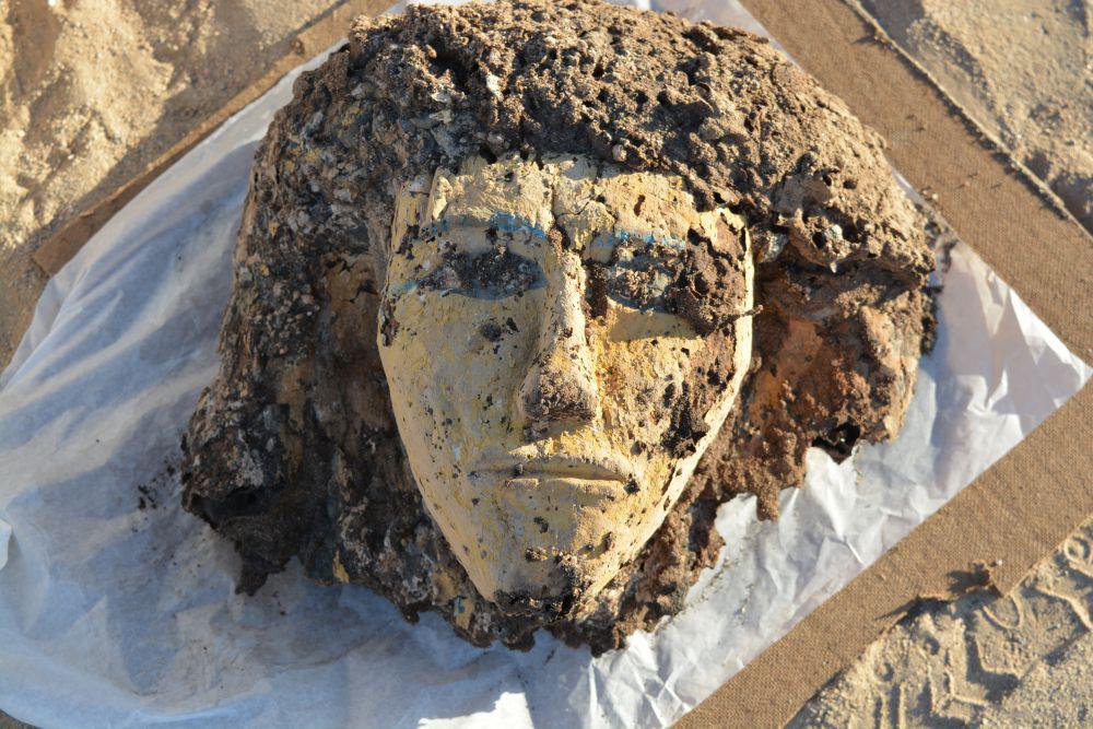 Tombos. Mummiemasker van een vrouw, uit het grensfort bij Tombos, Soedan, ca. 1500 v.C.
